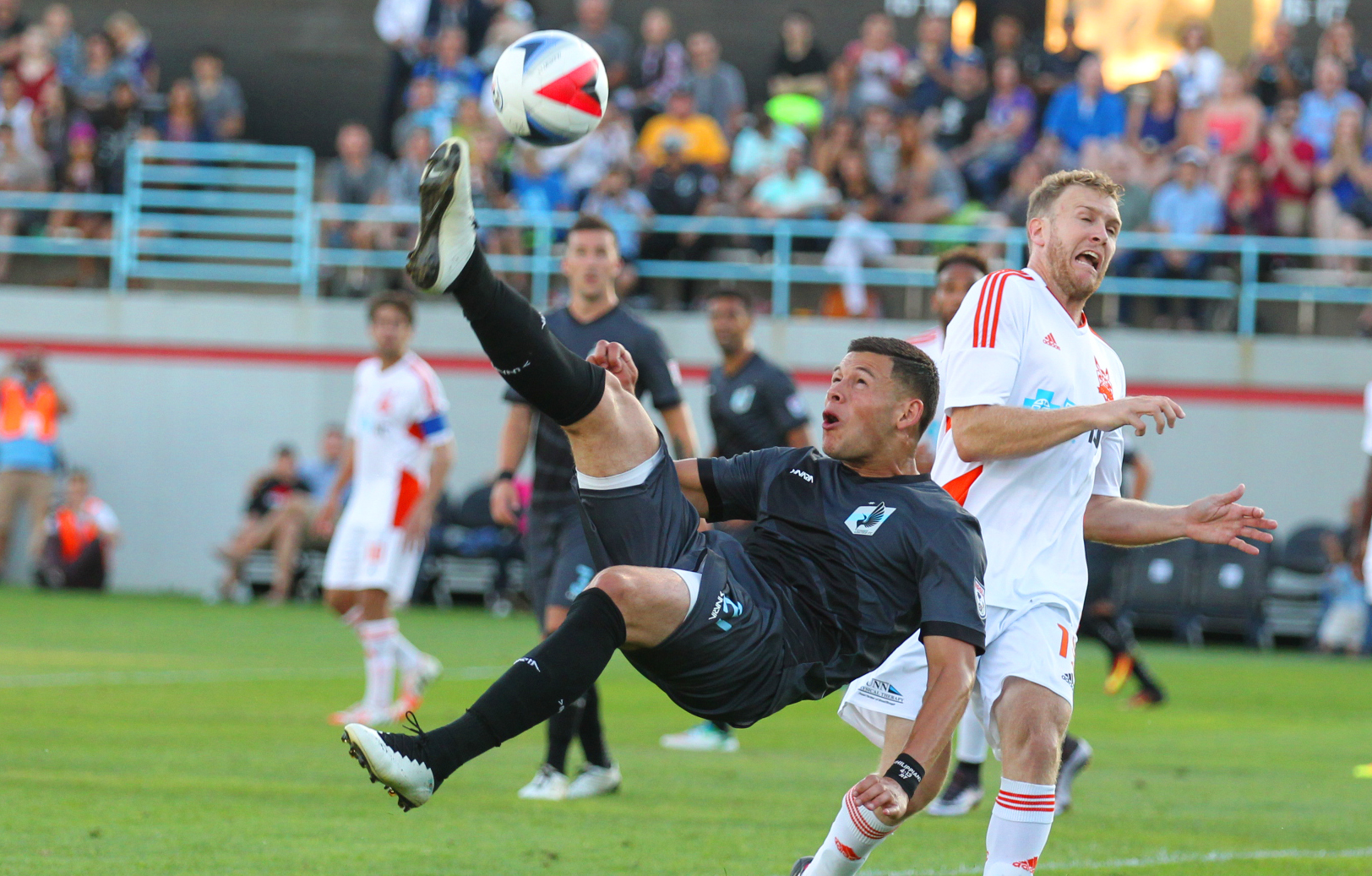 Christian Ramirez Minnesota United